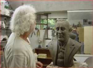 monumenten - aanmaak borstbeeld in atelier van Ludo Noels
