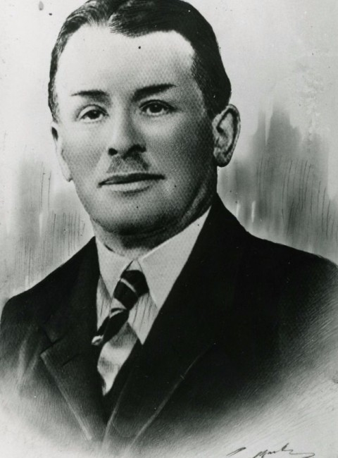 Victor Lowis